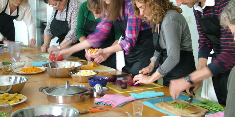 Vegan food truck in luxembourg vegan catering bio cuisine - Offrir des cours de cuisine ...